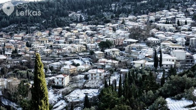 Beautiful photos from the snowy mountains of Lefkada
