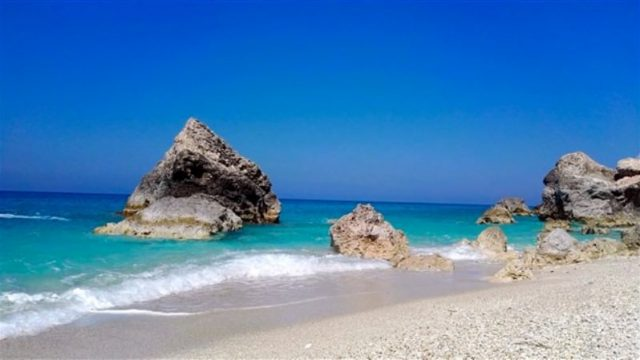 Bloggers love Lefkada. The top 3 beaches in Lefkada by Pensees de Mawi