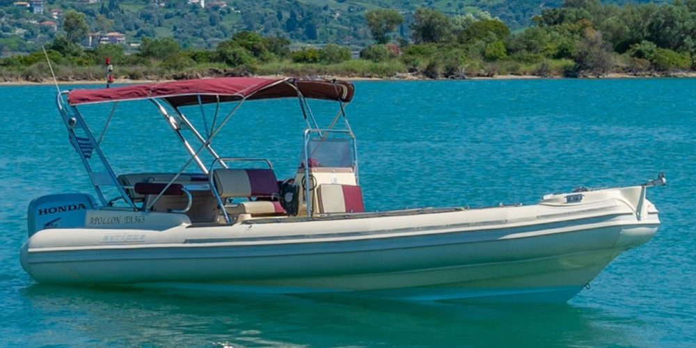 Discover the beaches of Lefkada and its islands with an inflatable boat from Apollonian Boats